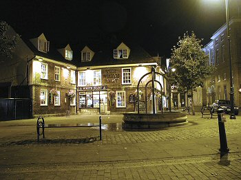 The White Hart in Salisbury Square